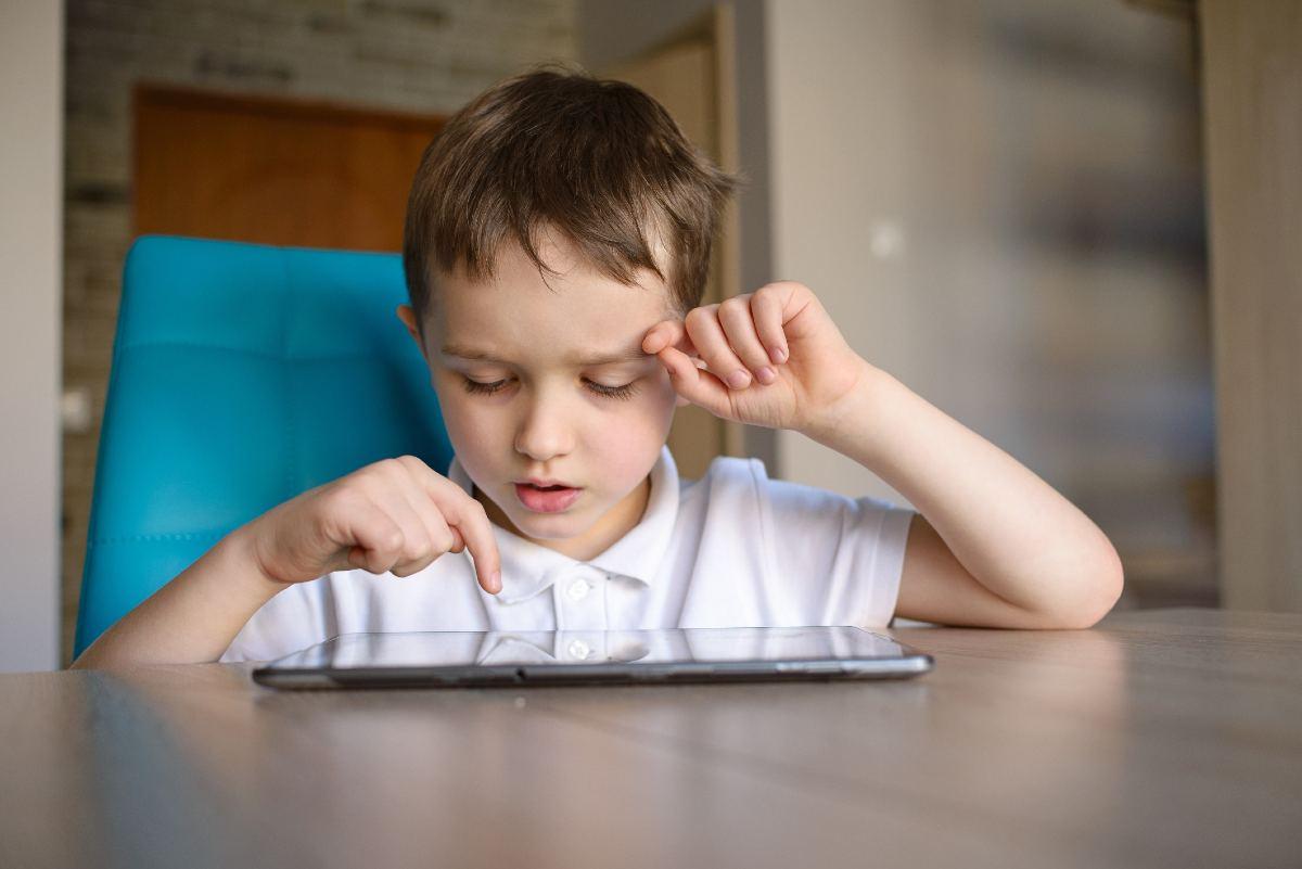 Ασφάλεια παιδιού κινητό τηλέφωνο